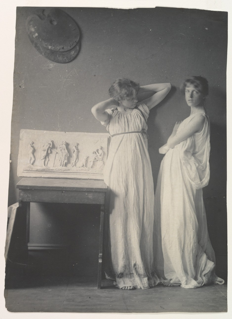Met-Two-Pupils-Greek-Dress-DP335623